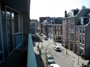 Oud West Apartment --looking toward Farmers Market